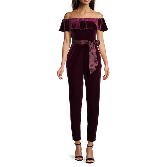 Premier Amour Off The Shoulder  Velvet Jumpsuit