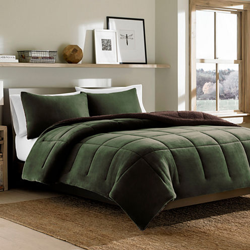 Eddie Bauer® Reversible Premium Fleece Dark PineComforter Set