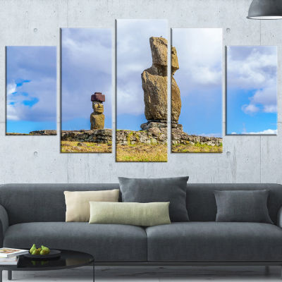 Designart Ahu Tahai and Ahu Ko Te Riku LandscapePhoto Wrapped Canvas Art Print - 5 Panels