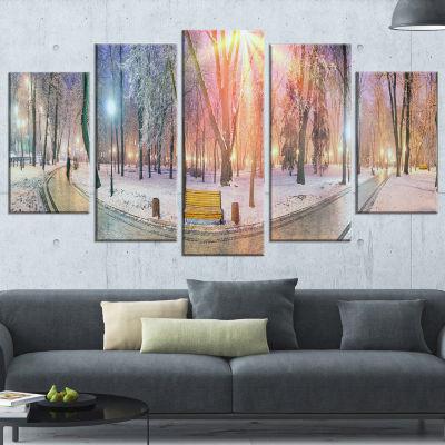Designart Beautiful Mariinsky Garden View Landscape Photography Canvas Print - 5 Panels