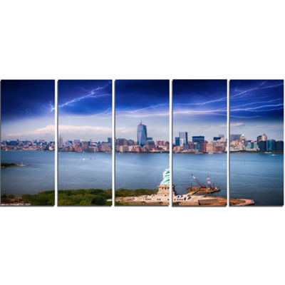 Designart Statue of Liberty and Skyline CityscapePhoto Canvas Print - 5 Panels
