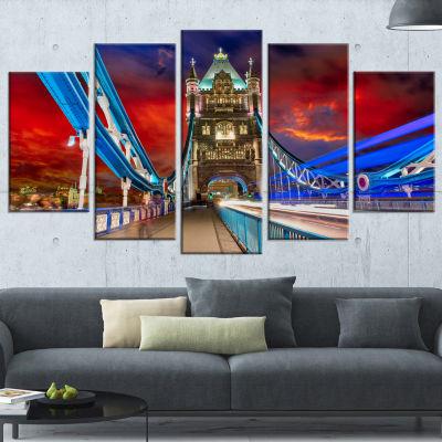 Designart Storm Over Tower Bridge at Night Large Cityscape Photo Canvas Print - 5 Panels