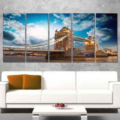 Designart Sunset Over Tower Bridge Cityscape PhotoCanvas Print - 5 Panels