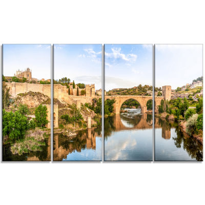 Designart Toledo Bridge in Spain Landscape Photography Canvas Art Print - 4 Panels
