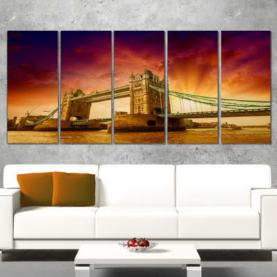 Designart Tower Bridge in Its Magnificence Cityscape Photo Canvas Print - 5 Panels