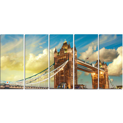 Designart Tower Bridge London at Sunset CityscapePhoto Canvas Print - 5 Panels