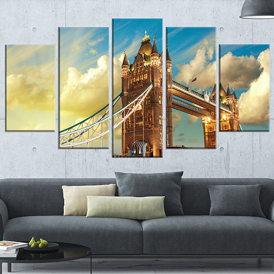 Designart Tower Bridge London at Sunset CityscapePhoto Canvas Print - 5 Panels