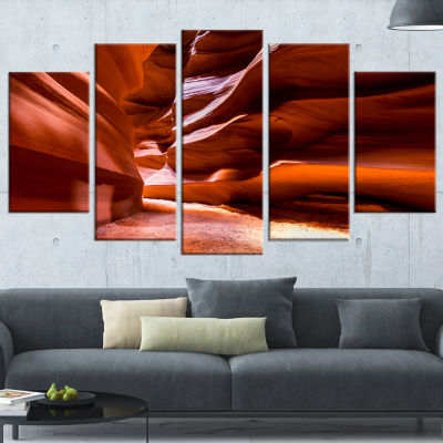 Designart Breathtaking Antelope Canyon Large Landscape PhotoCanvas Art Print - 5 Panels