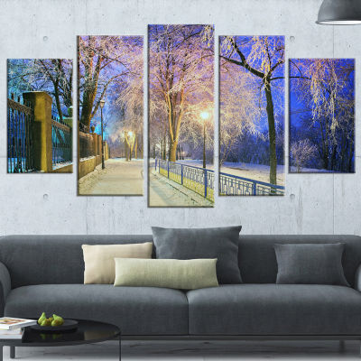 Designart Bright Blue Mariinsky Garden LandscapePhotographyCanvas Print - 4 Panels