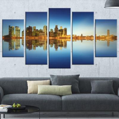Designart Calm Singapore Skyline Large CityscapePhotographyCanvas Print - 5 Panels
