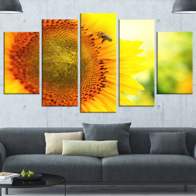 Designart Sunflower Blooming On Field Large AnimalCanvas Art Print - 4 Panels
