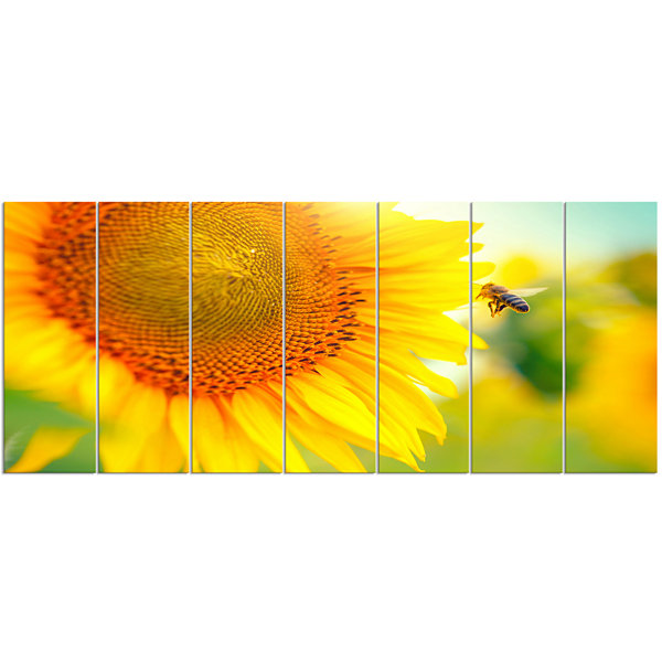Design Art Beautiful Sunflowers Blooming Large Animal Canvas Art Print - 7 Panels
