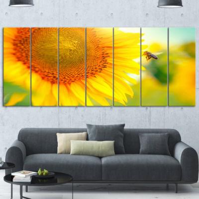 Designart Beautiful Sunflowers Blooming Large Animal Canvas Art Print - 7 Panels