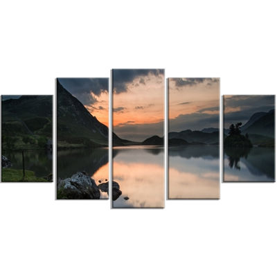 Designart Stunning Sunrise Over Lake Panorama Large Landscape Wrapped Canvas Art Print - 5 Panels