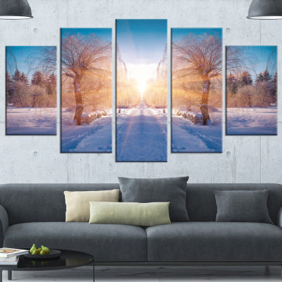 Designart Winter Landscape In City Park LandscapeWrapped Canvas Art Print - 5 Panels