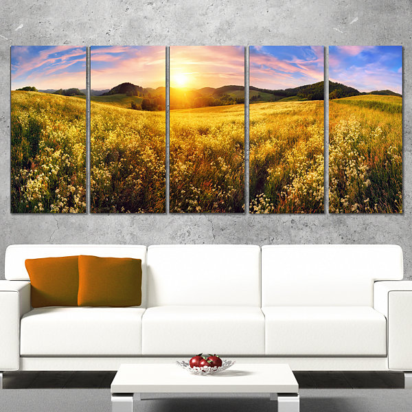 Designart Beautiful Meadow Panorama Landscape Canvas Art Print - 5 Panels