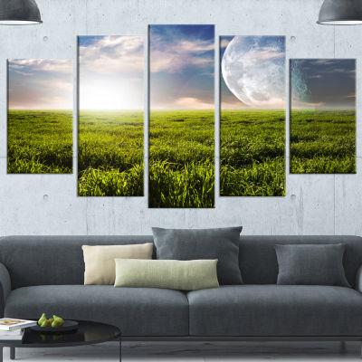 Designart Green Field Under Bright Sunlight ExtraLarge Landscape Canvas Art Print - 5 Panels