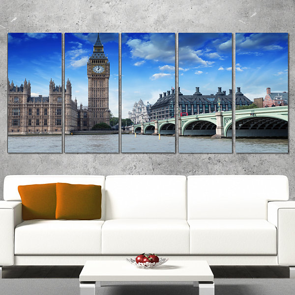 Designart Houses Of Parliament And Westminster Bridge ModernCityscape Canvas Art Print - 5 Panels