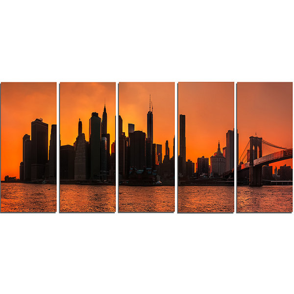 Design Art Silhouettes Of Manhattan Panorama ExtraLarge Canvas Art Print - 5 Panels
