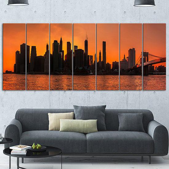 Designart Silhouettes Of Manhattan Panorama ExtraLarge Canvas Art Print - 7 Panels
