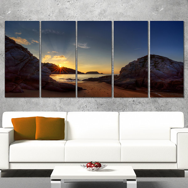 Designart Hills In Beautiful Mountain Beach ExtraLarge Landscape Canvas Art Print - 5 Panels