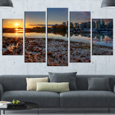 Designart Vancouver Downtown In Morning Extra Large Landscape Canvas Art Print - 5 Panels
