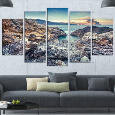 Designart Rocky Reservoir In Monte Cofano Large Landscape Canvas Art Print - 4 Panels