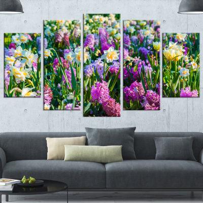 Designart Spring Flowers In Keukenhof Park FloralCanvas Art Print - 5 Panels