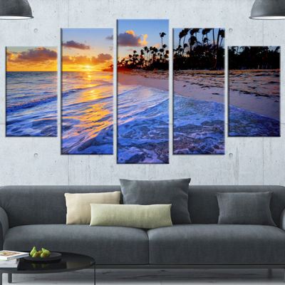 Designart Blue Waves Along The Shore Large Seashore Canvas Art Print - 5 Panels
