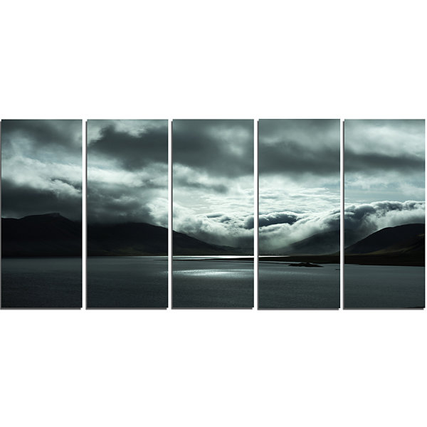 Designart Stormy Iceland In The Summer Seashore Canvas Art Print - 5 Panels