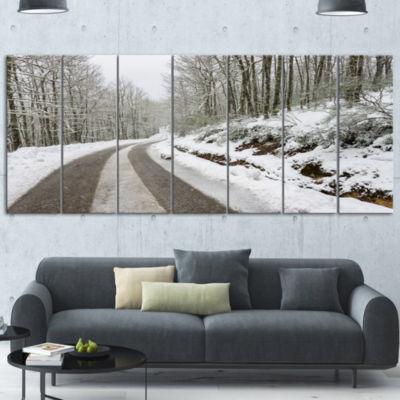 Designart Snow Storm At Piornedo Spain Large Landscape Wrapped Canvas Art - 5 Panels