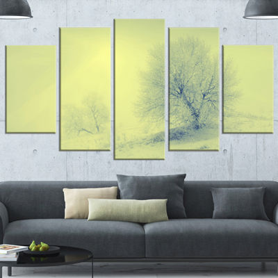 Designart Beautiful Winter Snow Valley Large Landscape Canvas Art - 4 Panels
