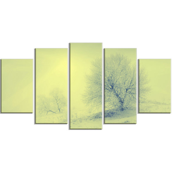 Designart Beautiful Winter Snow Valley Large Landscape Wrapped Canvas Art - 5 Panels
