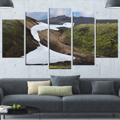 Designart White Spots Snowfields In Gullies LargeLandscapeWrapped Canvas Art - 5 Panels