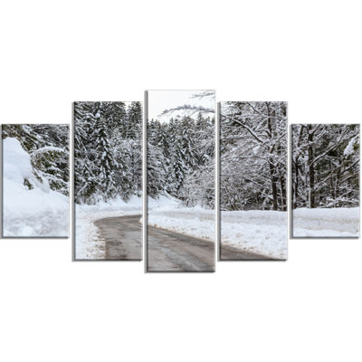 Designart Foggy Winter Road In Slovenia Large Landscape Wrapped Canvas Art - 5 Panels