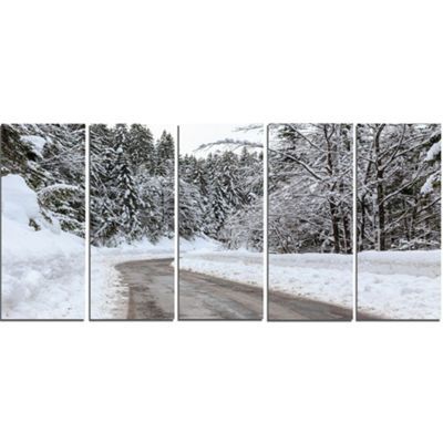 Designart Foggy Winter Road In Slovenia Large Landscape Canvas Art - 5 Panels