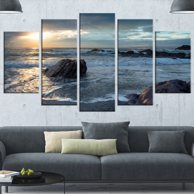 Designart Sharrow Beach In Cornwall Seashore Wrapped Canvas Art Print - 5 Panels