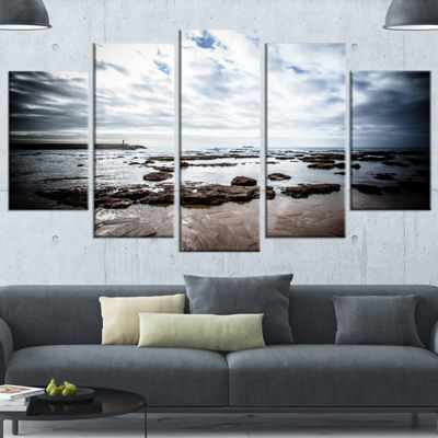Designart Dramatic Atlantic Coast At Low Tide Seashore Wrapped Canvas Art Print - 5 Panels