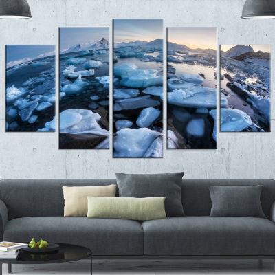 Designart Unusual Arctic Ice Landscape Large Seashore Canvas Art Print - 5 Panels
