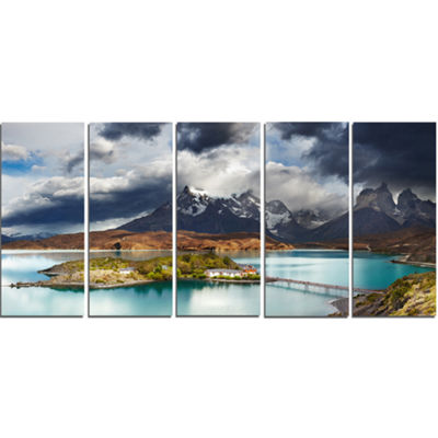 Designart Torres Del Paine Lake Pehoe Large Seashore Canvas Art Print - 5 Panels
