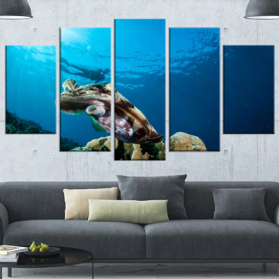 Design Art Broadclub Cuttlefish Underwater Large Seashore Wrapped Canvas Art Print - 5 Panels