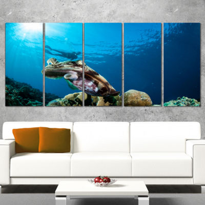 Designart Broadclub Cuttlefish Underwater Large Seashore Canvas Art Print - 5 Panels