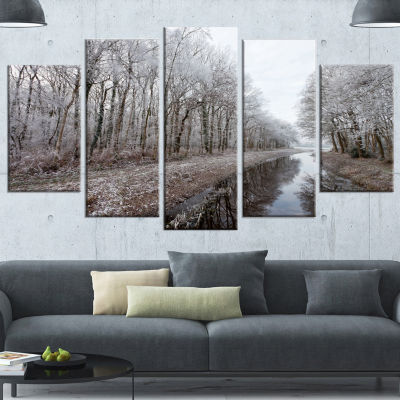 Designart Trees In White Winter Landscape Landscape Canvas Art Print - 4 Panels