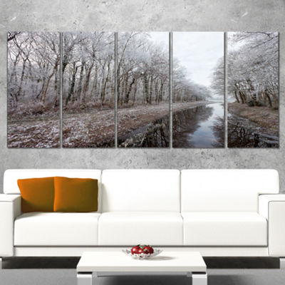 Designart Trees In White Winter Landscape Landscape Canvas Art Print - 5 Panels