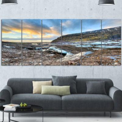 Designart Vatnajokull Glacier Trail Iceland LargeSeashore Canvas Art Print - 4 Panels