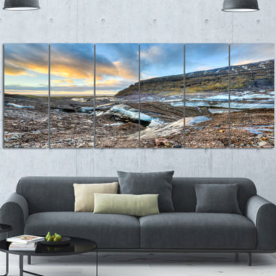 Designart Vatnajokull Glacier Trail Iceland LargeSeashore Canvas Art Print - 6 Panels