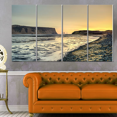 Designart Dyrholaey View Unto Reynisfjara Large Seashore Canvas Art Print - 4 Panels