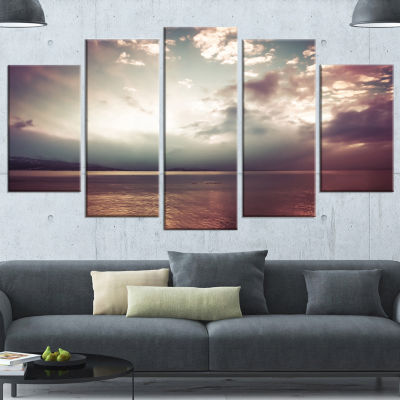 Designart Dark Sunset With Dramatic Sky Large Seashore Canvas Art Print - 5 Panels