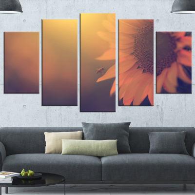 Designart Vintage Photo Of Sunflower Close Up Large Floral Canvas Art Print - 4 Panels