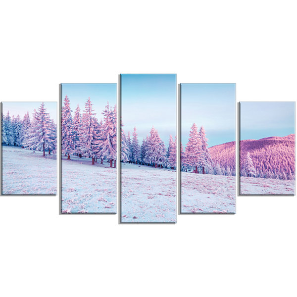 Designart Winter Sunrise in Mountains Landscape PhotographyCanvas Print - 5 Panels